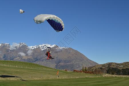 新西兰高空跳伞图片