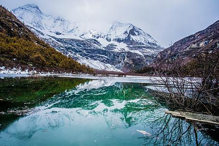 稻城亚丁夏诺多吉雪山图片