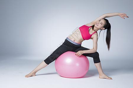 健身的瑜伽女性图片