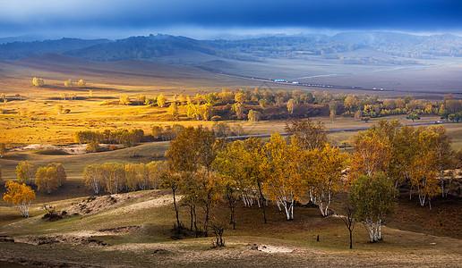 乌兰布统草原金光洒大地图片