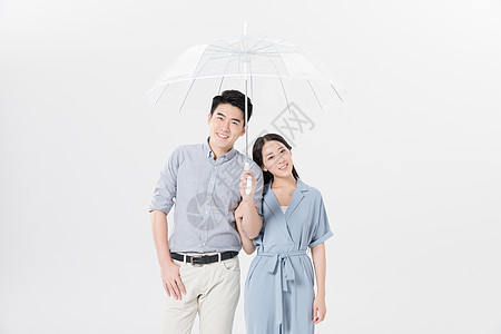 情侣夫妻甜蜜打伞撑伞图片
