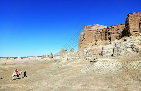 大美新疆乌禾尔魔鬼城图片