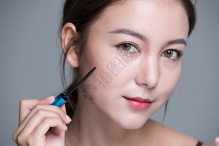 美女化妆眼妆图片