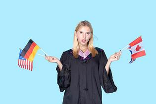 留学生手拿国旗图片