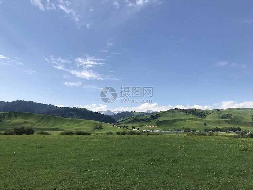 新疆那拉提草原图片