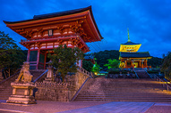 日本京都清水寺夜景图片