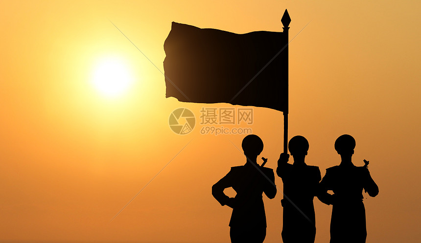 一个军人在夕阳下图片_夕阳下军人剪影 图片素材-正版创意图片501059177-摄图网