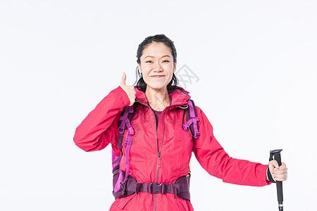 远足女性举大拇指图片