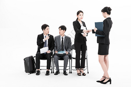和HR握手的应聘者图片
