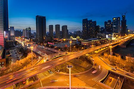 大理古城少数民族跳舞图片