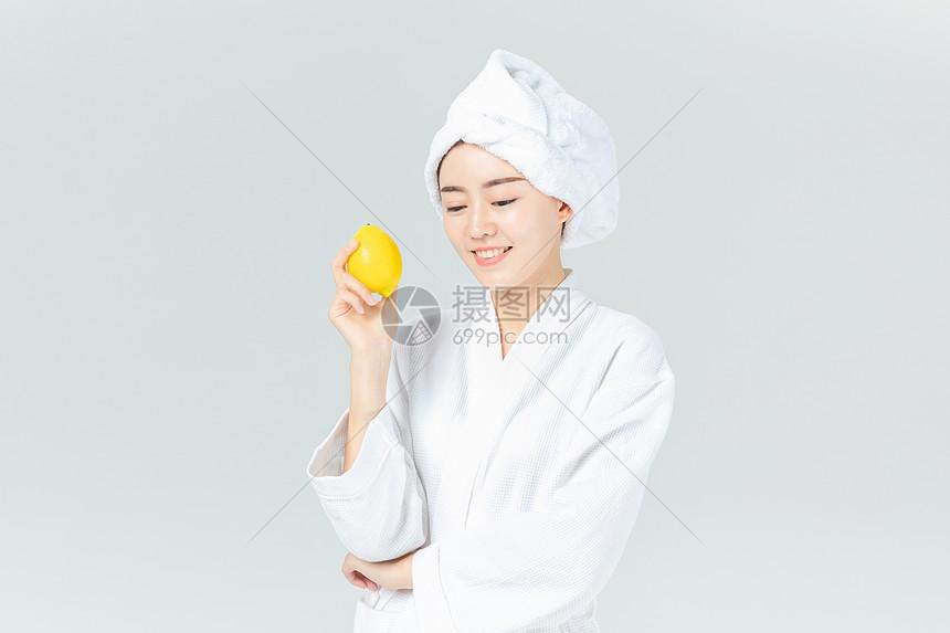 美女手拿格式图片素材_免费下载_jpg美女柠檬两闻脚互图片图片