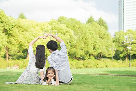 一家三口幸福背影图片