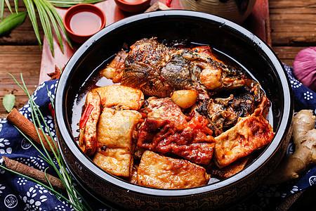 土菜馆红烧豆腐鱼图片