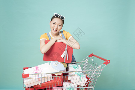 女性购物图片