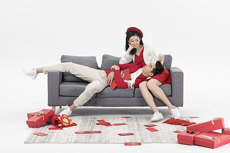 新年情侣居家过年图片