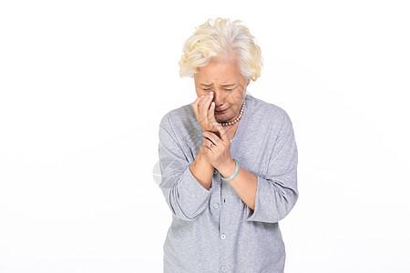 老年人伤心图片