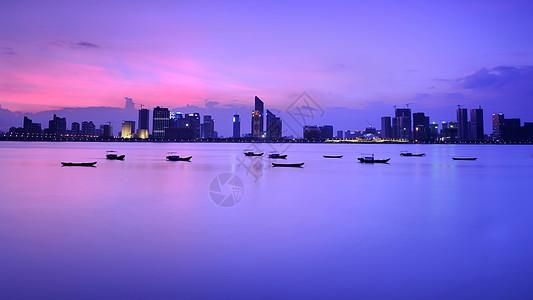 钱塘江边的钱江新城图片