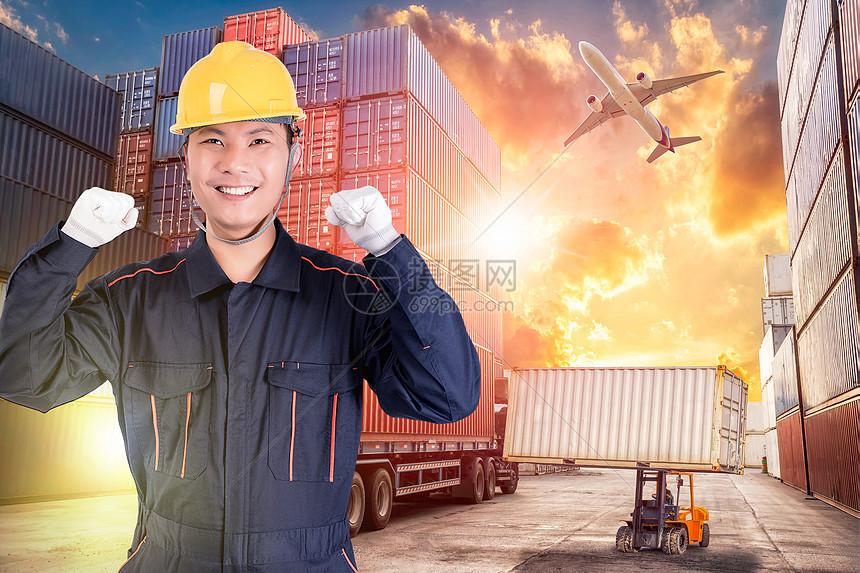卸货工人图片