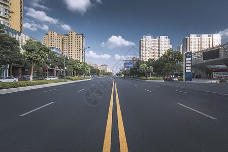 宽敞的大道图片
