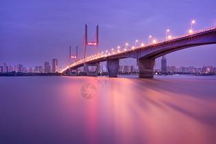 武汉长江二桥梦幻色调图片
