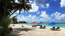 巴巴多斯美丽的海与沙滩风光奇秀海景迷人是驰名世界的海岛度假胜地501067283图片