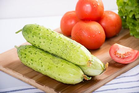 新鲜的黄瓜图片