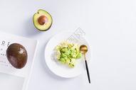 健康营养的牛油果图片
