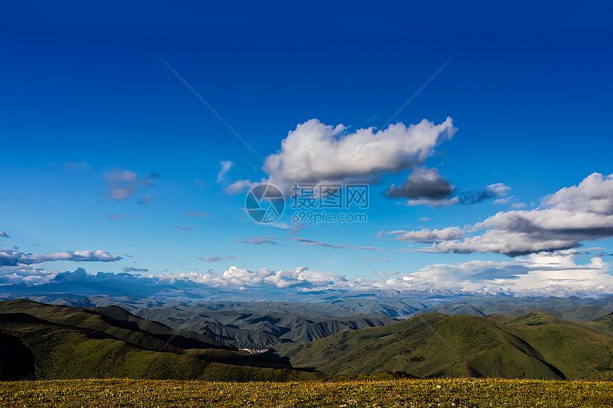 贡嘎雪山图片