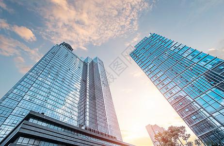 仰拍城市天空图片