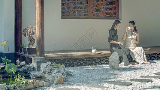 旗袍美女饮茶图片