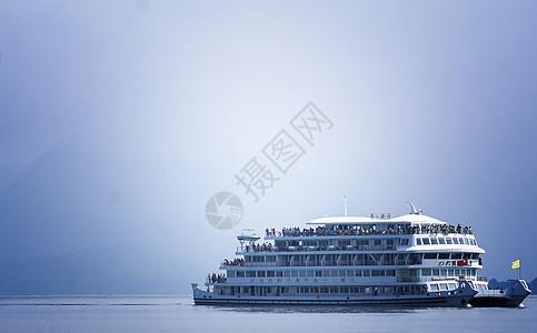 大理洱海大游船图片
