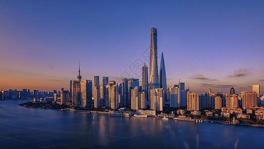 夕阳下的上海图片