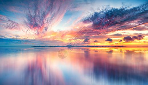 平静湖面壁纸图片