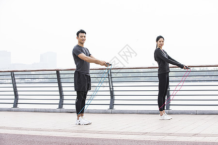 男女运动跳绳图片