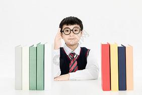 学习的小学生图片
