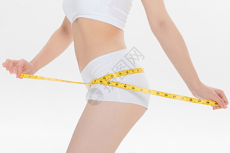 量臀围的瘦身女性图片