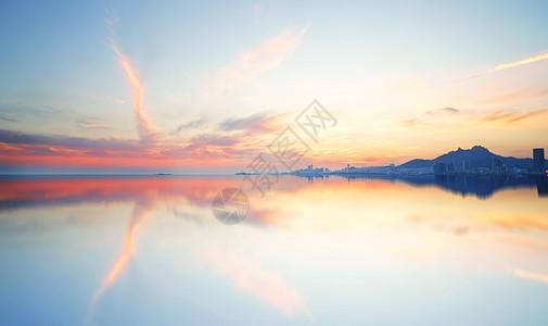 平静湖面 图片
