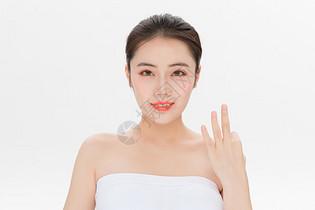 美容护肤第三步骤手势图片
