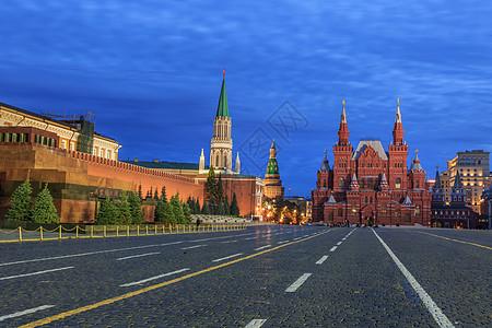 莫斯科著名旅游景点红场克里姆林宫与国家博物馆街道夜景图片