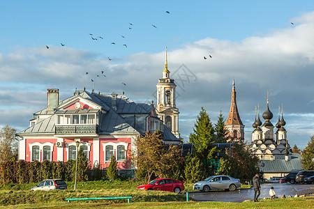 俄罗斯金环小镇苏兹达尔秋景田园风光图片