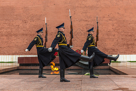 红场上的无名烈士纪念碑换岗仪式图片