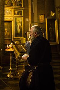 喀山大教堂内的东正教信徒图片