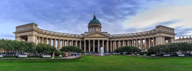 圣彼得堡著名喀山大教堂外观图片