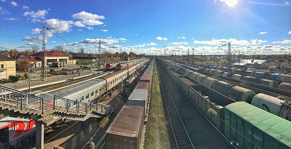 火车站铁轨火车运输全景图图片