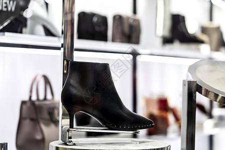 商场女高跟鞋图片