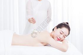 女性养生SPA海沙按摩 图片