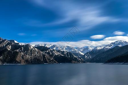 新疆天山天池雪景图片