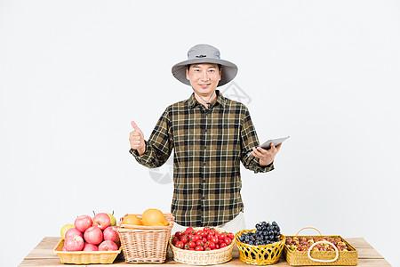 果农平板电脑展示水果图片