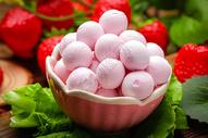 草莓水晶汤圆图片