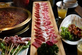 火锅食材羊肉片图片